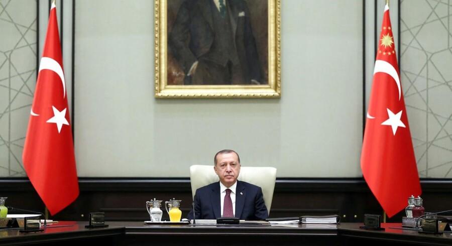 Tyrkiets præsident Erdogan er på kollisionskurs med Tyskland. Udenrigsministeriet i Berlin advarer nu tyske statsborgere om risiko for anholdelse i Tyrkiet