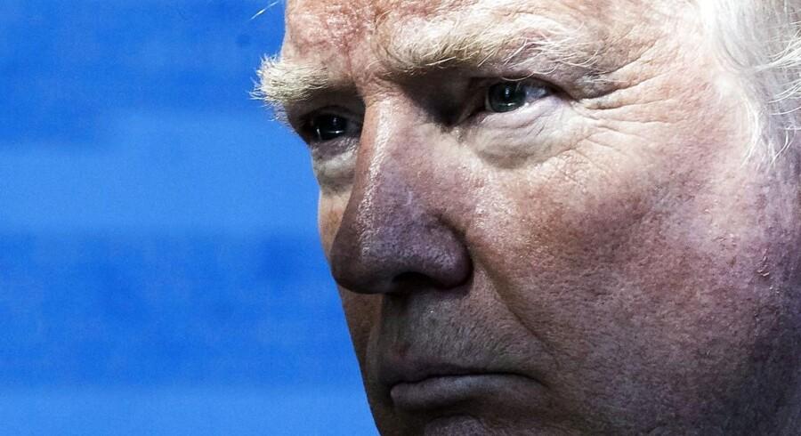 Mens Donald Trump var til NATO-topmøde i Bruxelles, led præsidenten et nyt stort nederlag hjemme i USA, hvor appelret stoppede hans andet indrejseforbrug og erklærede det for diskriminerende over for islam. EPA/ETIENNE LAURENT