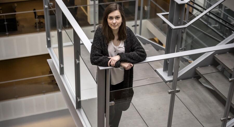 »Der er nogle fordomme om, at software-udviklere er drenge, der sidder i en kælder.« Cæcilie Vildenfeldt Iversen er i gang med sin bachelor i softwareudvikling på IT-Universitetet i København og en af spydspidserne, når gymnasiepiger skal gøres interesserede i uddannelsen.