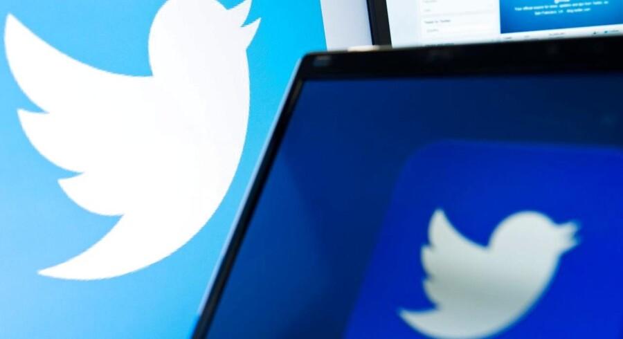 Arkivfoto. Den britiske regering protesterer overfor Twitter, efter at mediet har stoppet adgang til brugernes data.