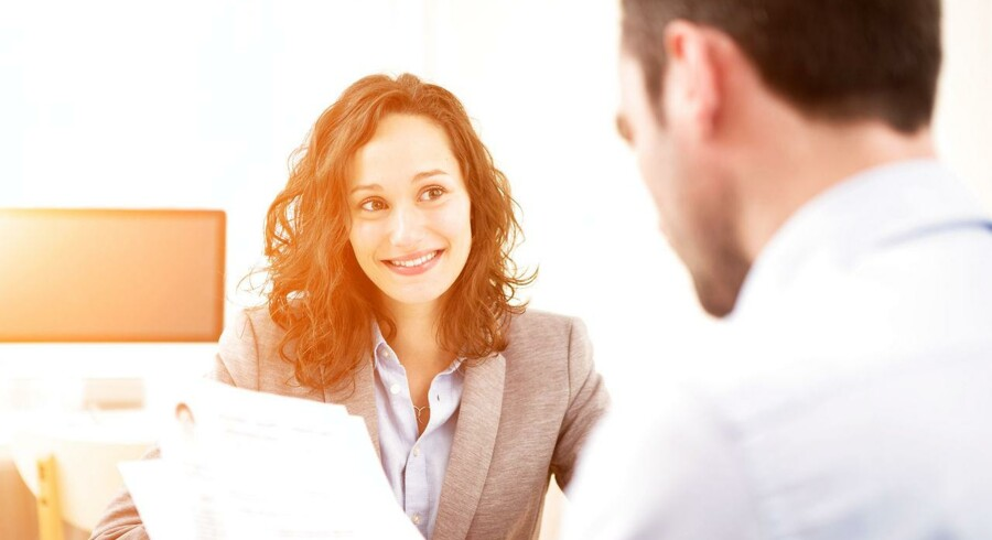 Lidt flere mænd end kvinder er villige til at gå ned i tid til fordel for ægtefællens karriere, viser en undersøgelse blandt danskerne.