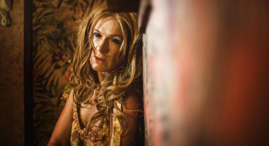 Maria Rich er en af de tre forvirrede genenmsnitsmennesker i »Living Dead«. Foto: Rumle Skafte.