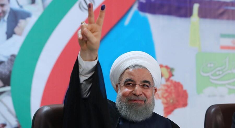 Irans præsident, Hassan Rouhani, har fredag meddelt, at han vil genopstille til præsidentvalget 19. maj. Reuters/Handout
