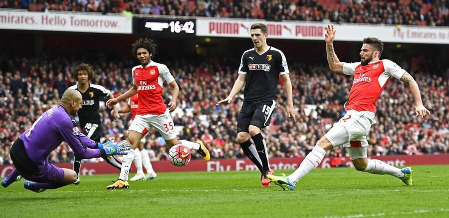 Spillere fra det engelske fodboldhold Arsenal skulle angiveligt være blandt lægen Mark Bonars »patienter«.