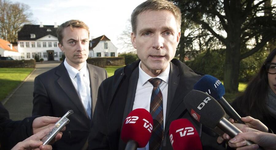 Dansk Folkepartis partiformand Kristian Thulesen Dahl er ærgerlig over det rodede forløb i Messerschmidt-sagen.
