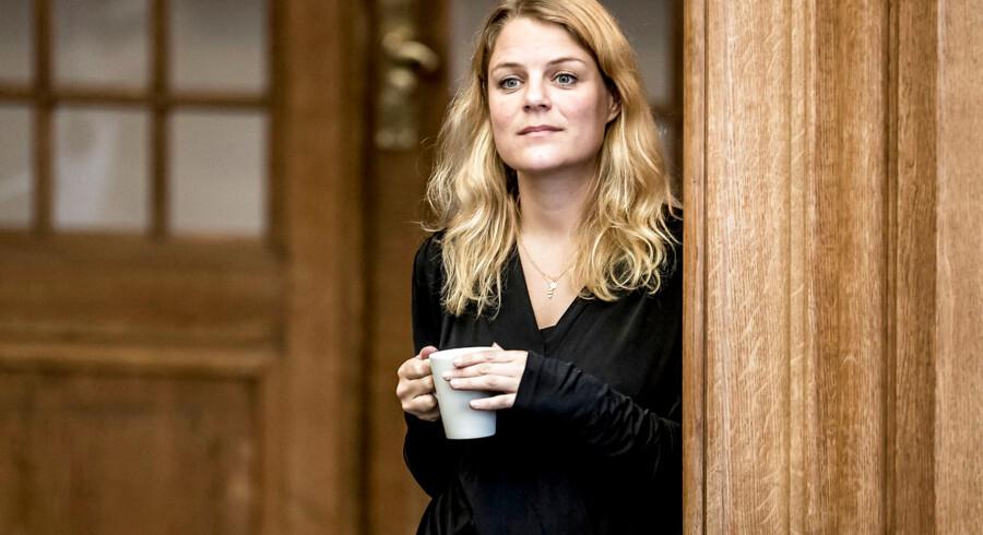 Johanne Schmidt-Nielsen (EL) under folketingets åbningsdebat i folketingssalen på Christiansborg, torsdag den 5. oktober 2017.. (Foto: Mads Claus Rasmussen/Scanpix 2017)