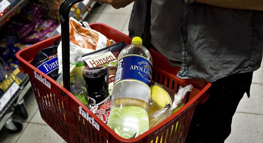 - I forhold til sidste måned har højere årlige prisændringer på blandt andet mælk, ost og æg samt grøntsager og bøger trukket årsstigningen op, skriver statistikerne.