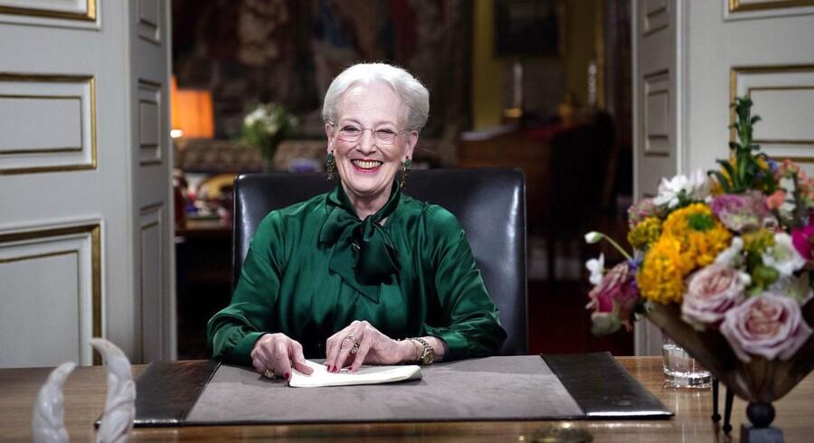 Det var midt i Dronningens nytårstale, at signalet pludselig forsvandt på TV-skærmene hos cirka 1,3 millioner danskere.