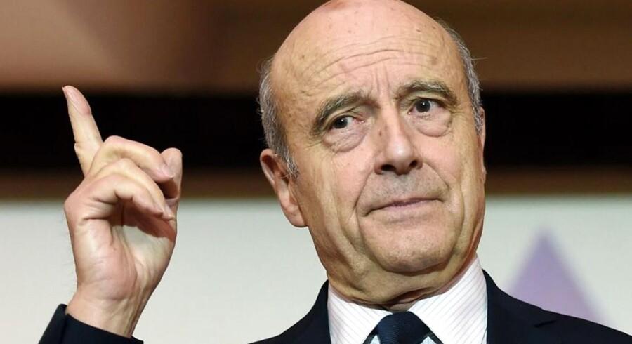 Alain Juppé er klar til at stille op i fransk præsidentvalg, hvis François Fillon trækker sig.