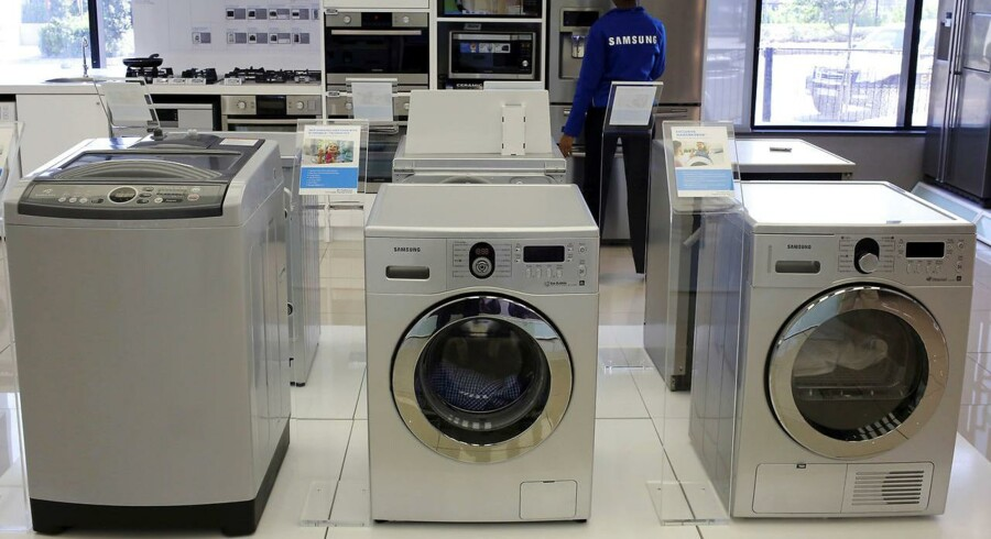 Vinderkategorien i tredje kvartal er de hårde hvidevarer. Særligt tumblere og vaskemaskiner har fået salget til at stige med 4,9 procent, mens salget af frysere og køleskabe til gengæld er gået lidt tilbage. I juli-september brugte vi tilsammen 6,7 milliarder kroner på elektronik, og heraf blev de 1,28 milliarder brugt på netop hårde hvidevarer, som dermed er den tredjestørste varegruppe.