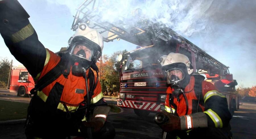 Arkivfoto: En ung mand blev tirsdag aften reddet ud af et brændende hus i Åkirkeby på Bornholm.