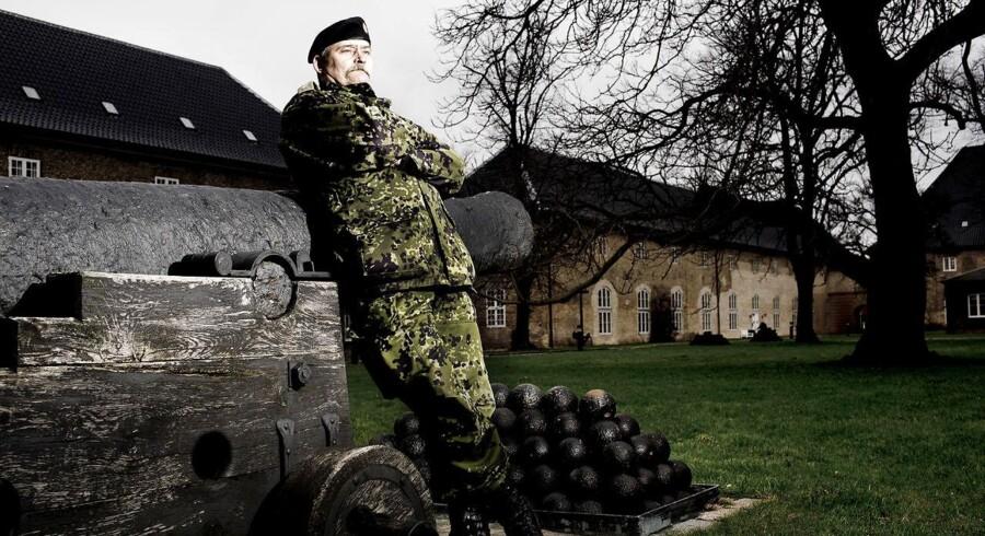 Den pensionerede oberst Lars R. Møller bliver i en ny dokumentar beskyldt for ledelsessvigt, da han ledte Operation Bøllebank tilbage i 1994.
