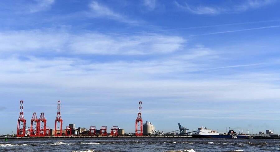 På en måde var det godt klaret. Maersk Line, ejet af A.P. Møller - Mærsk, tabte »blot« 800 mio. kr. i de seneste tre måneder. Det er mange penge, men når man befinder sig i en branche, der tilsyneladende bevæger sig med raketfart mod bunden, kan det næsten virke acceptabelt.
