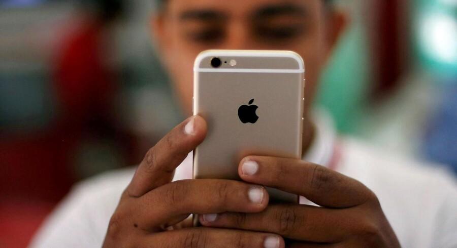 Den næste iPhone fra Apple skal ikke låses op med fingeraftryk men med ansigtet, ligesom blandt andet Samsung tilbyder det på sine seneste telefoner.