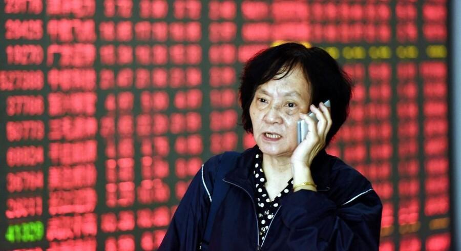 Arkivfoto. Efter tre dage med ferielukket på det japanske aktiemarked i slutningen af sidste uge har japanerne startet ugen med pæne stigninger på aktiebørsen i Tokyo.