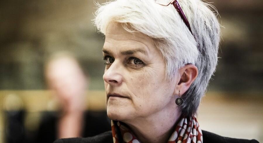 Erhvervs- og vækstminister Annette Vlhelmsen vil gerne lægge ører til virksomhedernes forslag til begrænsning af det administrative bøvl. Foto: Jeppe Bjørn Vejlø