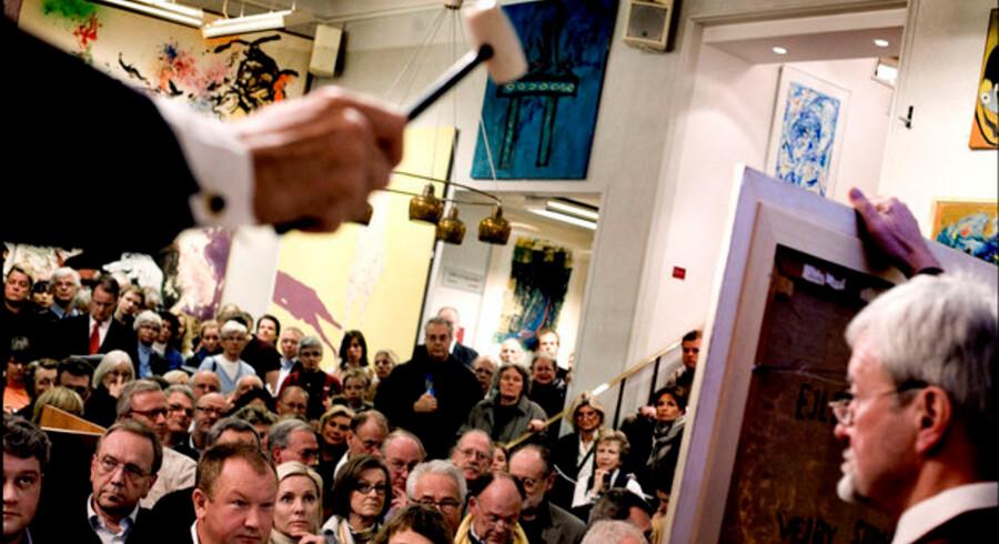 Det britiske auktionshus Christie's er ikke alene i nøden. Herhjemme meddelte Bruun Rasmussen  Kunstauktioner (billedet), at man må sige farvel til hver femte ansatte.