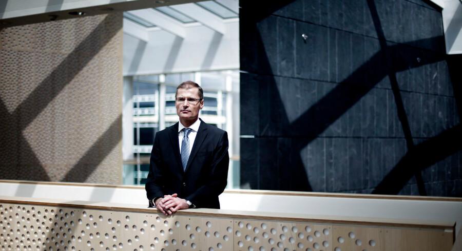Ditlev Engel blev i slutningen af august bedt om at forlade stillingen som koncernchef i Vestas. Bestyrelsens begrundelse var blandt andet, at der var brug for en direktør, der kunne realisere vækstpotentialet i Vestas. Det blev den, for mange i Danmark, ukendte svensker Anders Runevad, der skulle stå for det. Allerede den 1. september satte han sig i stolen som ny topchef efter en længere erhvervskarriere i Ericsson.