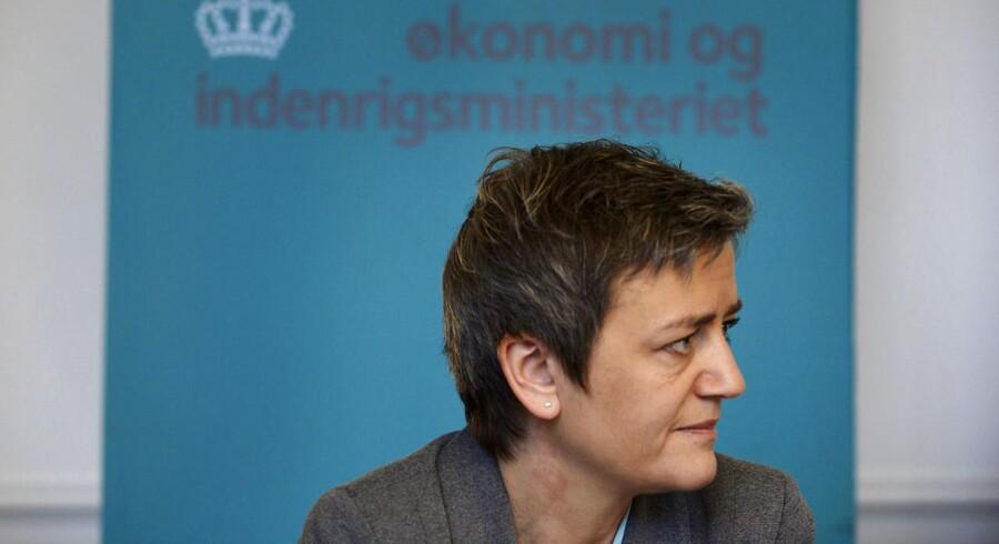 Når økonomi- og indenrigsminister Margrethe Vestager regner med en vækst på 1,6 procent næste år, så kan væksten faktisk lande på både 0,6 eller 2,6 procent, .