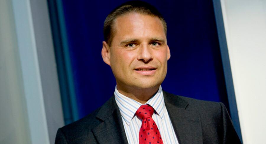 Saxo Bank-medejeren Kim Fournais undrer sig over de danske bankers åbningstider. Det vil han bl.a. gøre noget ved, hvis banken kommer ind på det private detailmarked.