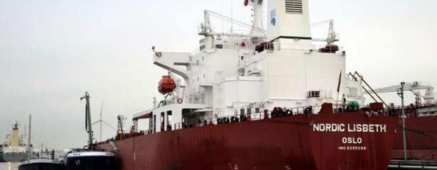 Nordic Tankers solgte i 2008 skibet Nordic Lisbeth og der skal flere af den slags handler til, hvis der skal sorte tal på bundlinjen.
