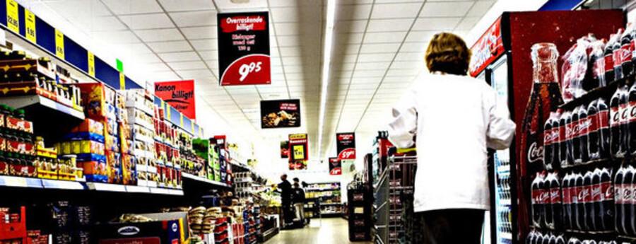 I april og maj blev der dog trukket i håndbremsen, og det omsætningsboom, som discountbutikkerne har oplevet, er stagneret.