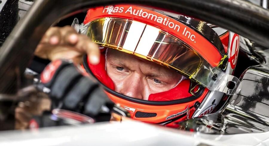 Da Magnussen kørte ud ad garagen efter et pitstop med tre og et halvt minut tilbage af Q2, lykkedes det ikke at få sat en tid, der kunne sende ham op blandt de ti bedste og videre til Q3.