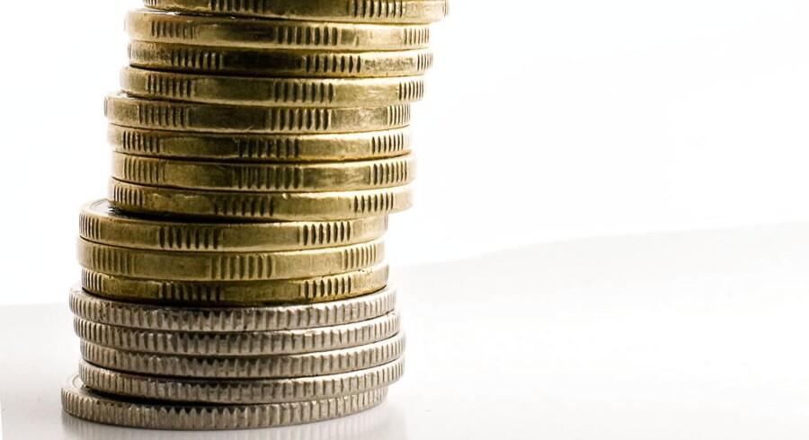 Fortsat risikovillighed fremprovokeret af den amerikanske centralbanks løfter om at fortsætte de kvantitative lempelser på et uændret niveau frem til september understøtter udviklingen.