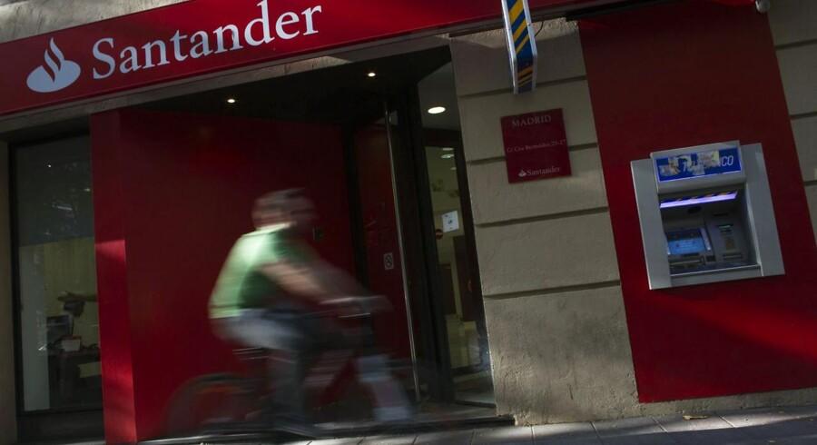 »Vi er faktisk lidt overvældet over den store efterspørgsel efter vores produkter,« siger Bo Jakobsen, der er direktør for Santander i Danmark. Og samme toner lyder fra konkurrenten Ikano Bank.