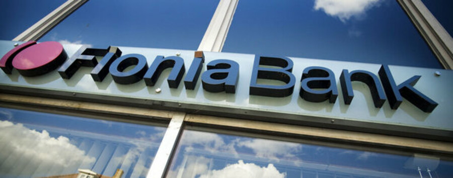 """""""Salgsprocessen omkring Fionia Bank forventes at være afsluttet inden for få uger. Hvis Spar Nord bliver køber, vil der i efteråret blive gennemført en kapitaludvidelse med fortegningsret for bankens eksisterende aktionærer. Bankens største aktionærer, Spar Nord Fonden og Nykredit, har på forhånd tilkendegivet interesse for at deltage heri,"""" skriver Spar Nord."""