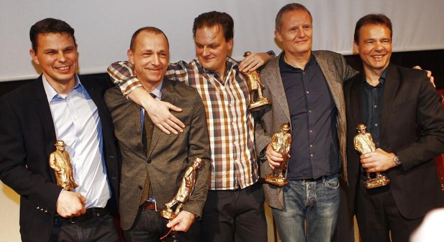Sådan så det ud, da de fem journalister fra DR vandt dansk journalistiks fornemmeste pris, Cavling-prisen. for afsløringer af finansielle rådgivers vejledning om skattely i serien »I skattely«, som DR sendte. DR-journalisterne er: Jeppe Gaardbo, Frederik Brun Madsen, Søren Kristensen, Michael Klint og Steen Jensen.