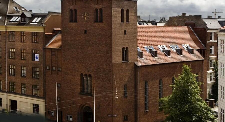 Københavnske kirker kan blive til boliger - Absalons Kirke på Vesterbro er en af de 16 kirker, som stiftsrådet i Københavns Stift har udpeget til lukning København.