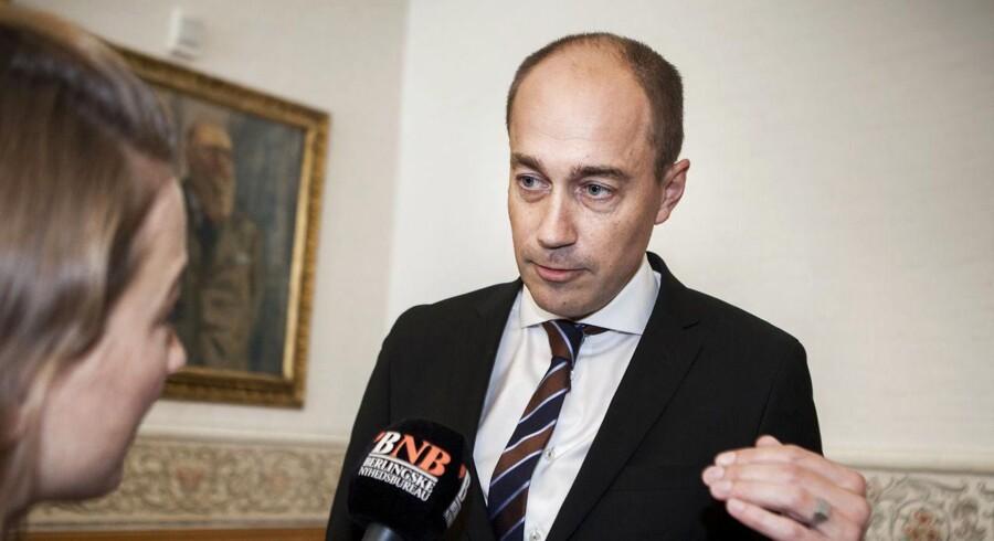 Transportminister Magnus Heunicke (S) bliver nu kritiseret for at overtrumfe ledelsen i DSB.