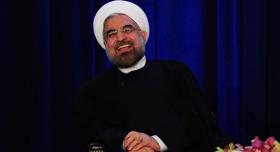 Det er ikke let af være den iranske leder, Hassan Rouhani, eller for den sags skyld hans udenrigsminister, Javad Zarif, der i går satte sig sammen med USAs udenrigsminister, John Kerry, for at teste hinanden af i spørgsmålet om atomstriden.