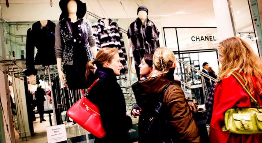 Pels og dyre tasker står ikke øverst på indkøbslisten, når den globale økonomi er i krisestemning. Det må man sande hos mode– og pelshuset Birger Christensen.