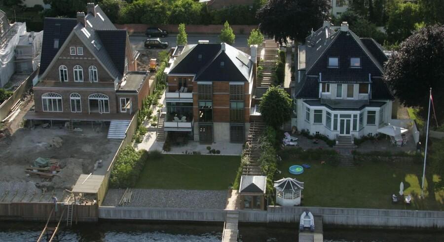 De dyreste villaer varierer enormt i pris afhængigt af, hvilken by eller landsdel de ligger i.
