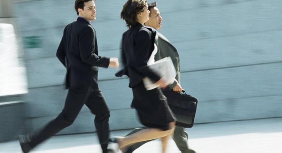 Løb stærkt for at få en højere løn, lokker arbejdsgiverne flere ansatte til at gøre.