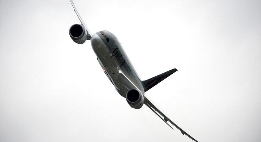 Boeings Dreamliner er en af årsagerne til den amerikanske flyproducents vækst. Her ses en af slagsen i en halsbrækkende manøvre til Farnborough International Airshow i Sydengland sidste sommer.