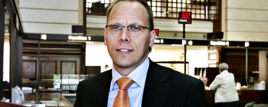 """""""Selvfølgelig har de faldende ejendomspriser og den svage marked for erhvervsejendomme påvirket os, men vi har forsøgt at styre uden om de mest risikofyldte lån til branchen,"""" siger Frank Vang-Jensen, Handelsbankens danske direktør."""
