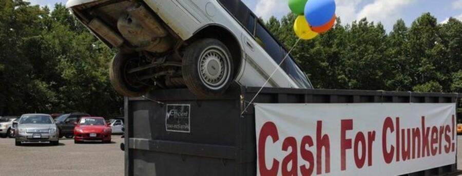 """Det amerikanske skrotpræmieprogram """"Cash for Clunkers"""" er blevet en enorm succes, og kan kickstarte USAs pressede økonomi."""