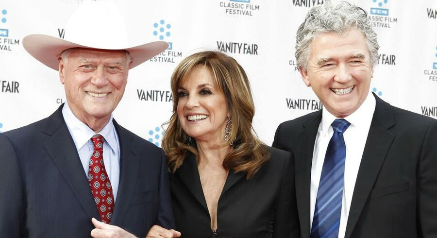 "Her er de gamle stjerner fra ""Dallas"" (fra venstre) 80-årige Larry Hagman, Linda Gray, 71 år og Patrick Duffy, 63 år."