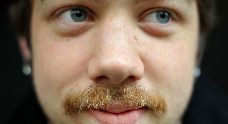 """Mand med overskæg i anledningen af """"Movember""""."""