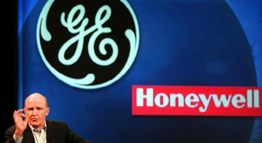 Mens Microsoft og Google skuffede med resultaterne torsdag aften efter børsens lukketid, var der andre boller på suppen hos industrigiganten GE, der sammen med kollegaen Honeywell trak markedet op.