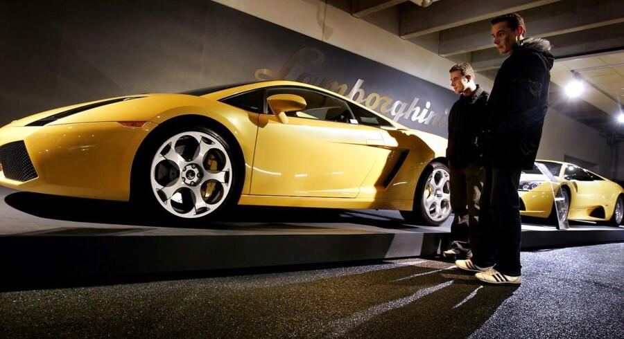 Michael Lassen siger farvel til den bilforretning, han stiftede i 1994. I dag har foretagendet succes med handel af de helt dyre luksus bilersom Porsche, Bentley og Lamborghini.