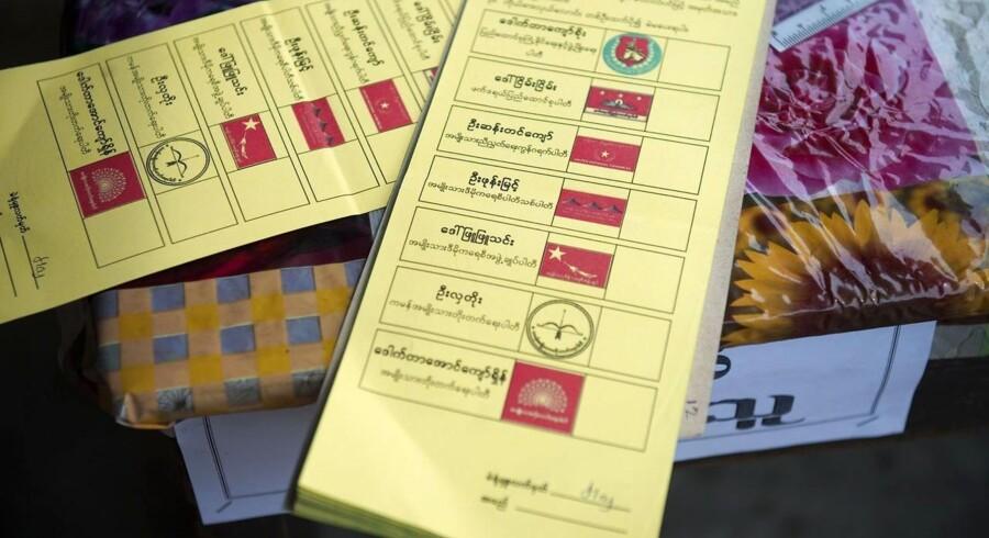 Valgstederne i Myanmar er åbne.