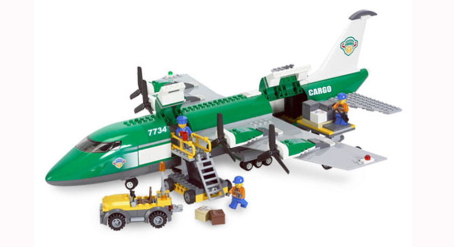 39 passagerfly af den rigtige type - og ikke af klodser - er nu en del af Lego-imperiet. PR-foto: Lego