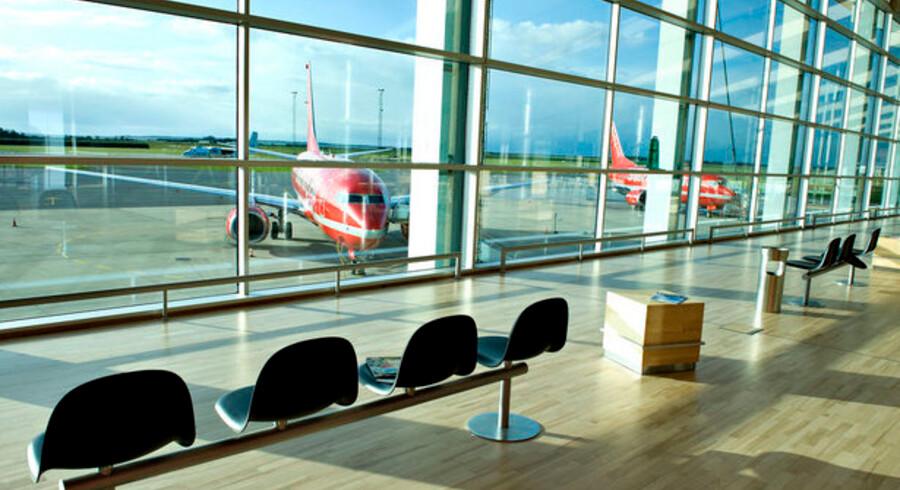 »Det handler om geografi og tilgængelighed. Aalborg har den fordel, at den ligger fem kilometer fra motorvejen, hvilket Århus ikke gør. Og så har Aalborg Lufthavn et større optageområde end Århus og Billund,« siger direktør i rejsemæglervirksomheden, Travelbroker Nordic, Ole Kirchert Christensen.