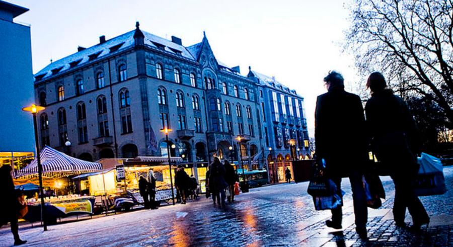 Danskere i Sverige med arbejde i Danmark skal fortsat afregne med det danske skattevæsen.