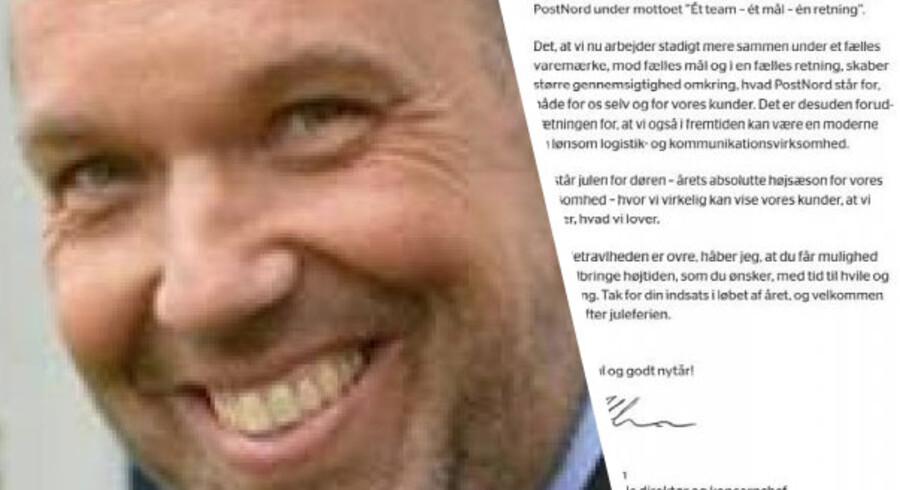 Henrik Ørstrup og julekortet fra Post Nord. Foto: Privatfoto