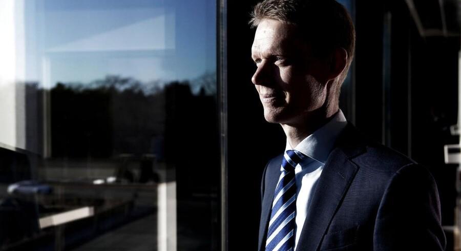 Henrik Poulsen, adm. direktør i DONG Energy, nærmer sig ifølge Berlingskes oplysninger sit mål om at sælge ikke-kerne aktiviteter for 10 mia. kr. i 2013-2014.